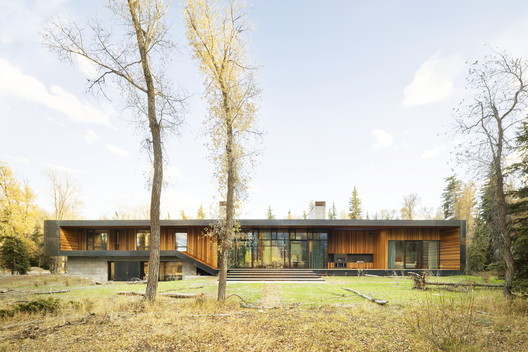 Riverbend Residence / CLB Architects