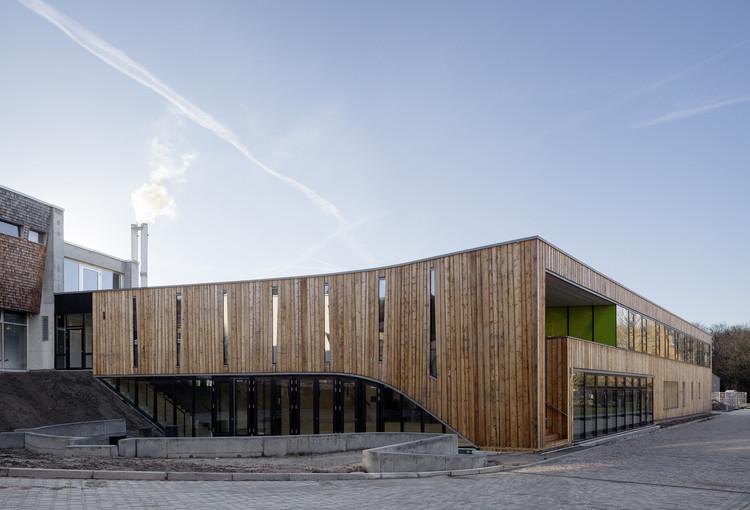 Canteen Waldcampus / andreas gehrke.  architect.  Image © Ulrich Schwarz
