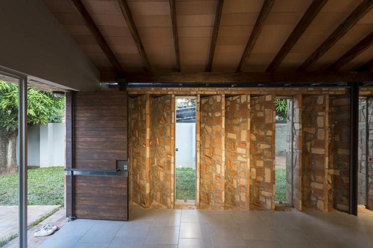 Fuelle Roga House / OMCM arquitectos. Image: © Leonardo Méndez