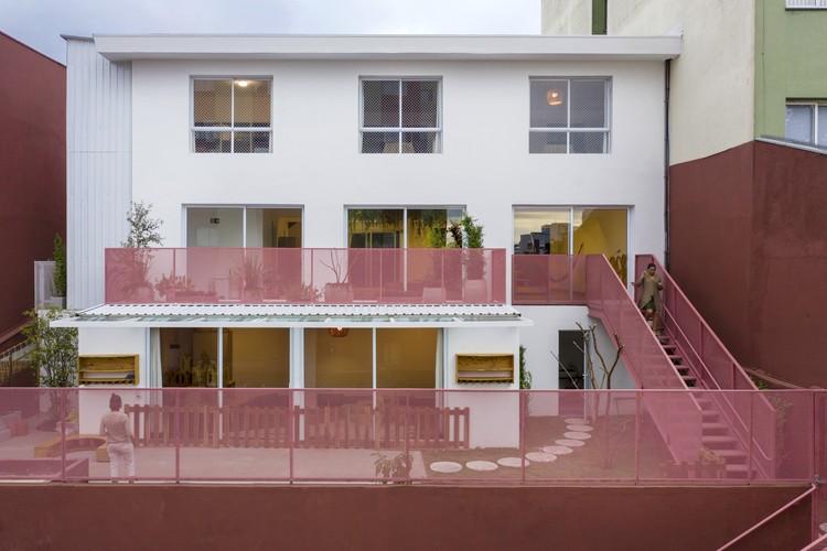Escola Da Familia / ARKITITO Arquitetura + Oficina umauma + Luiza Gottschalk, © Carolina Lacaz