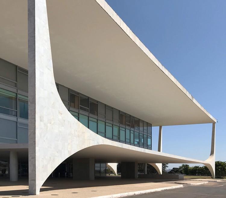 @OscarNiemeyerWorks: a obra de Niemeyer no Instagram, Cortesia de @OscarNiemeyerWorks, via Arquicast