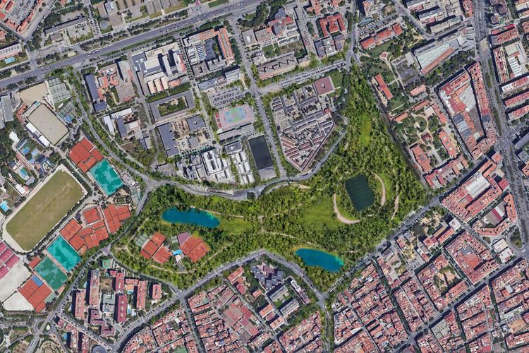 Fotografías del sector donde se ubicará el nuevo espacio verde de 26 hectáreas propuesto por ON-A Arquitectura para renaturalizar la zona del Camp Nou. . Image © ON-A