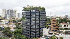 Edifício Oito / Isay Weinfeld