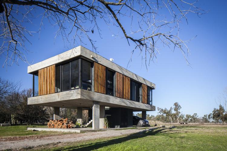 Uribelarrea House / Estudio SSARQ, © Alejandro Peral