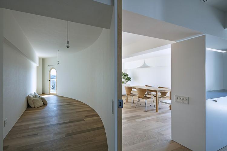 Smooth Wall House / suzuki architects, © Kenta Hasegawa