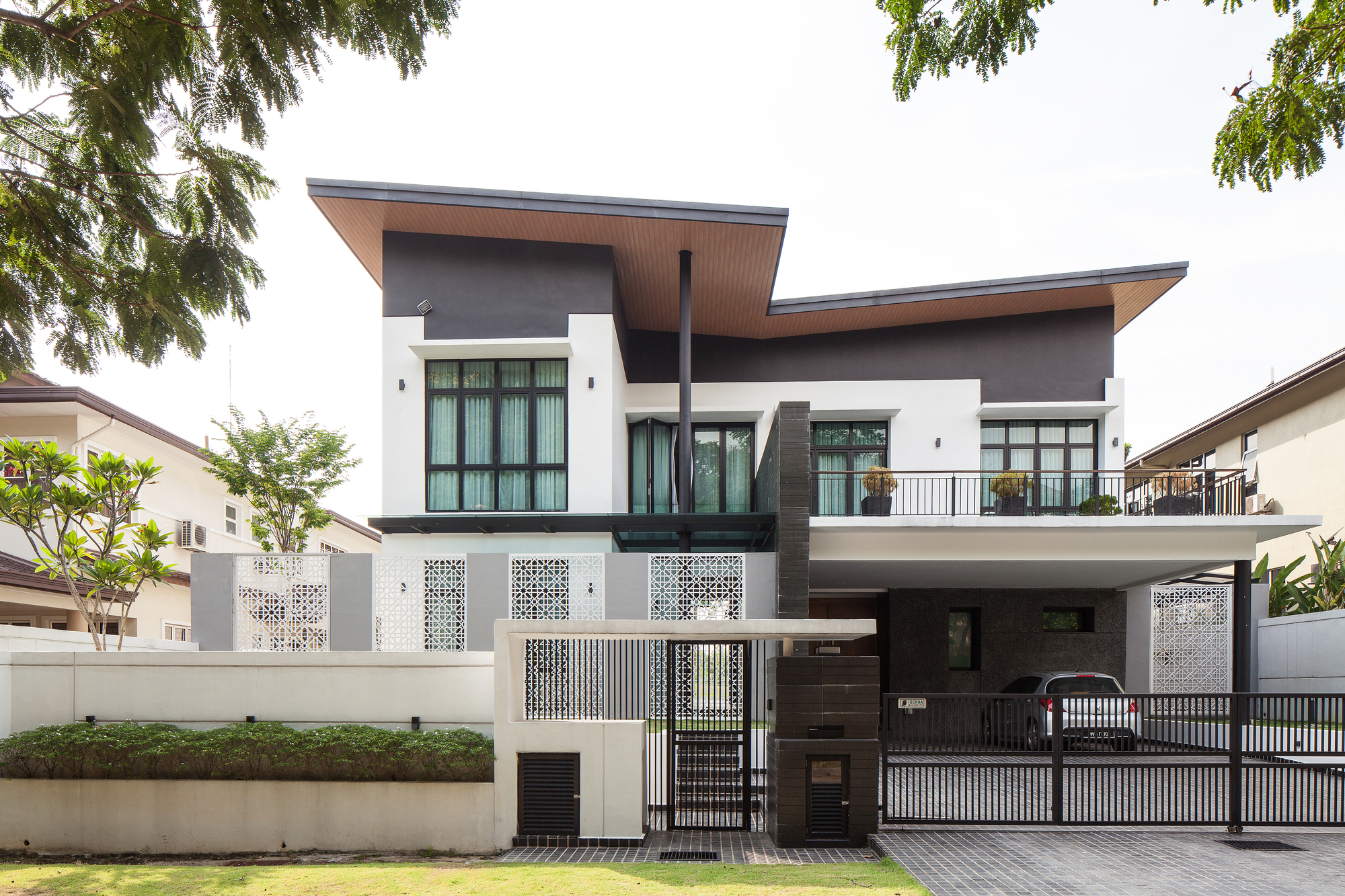 Impian Residence / HBOA (HB Ong Architect)