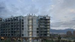 Parque Arboleda Residential Complex / Izquierdo Lehmann