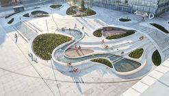Requalificação Urbana V-Plaza / 3deluxe architecture