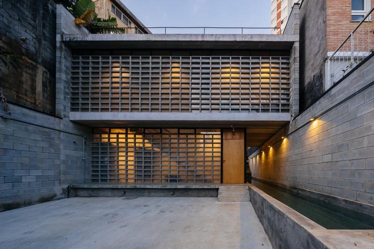 Casa Guaianaz  / Terra e Tuma Arquitetos Associados, © Pedro Kok