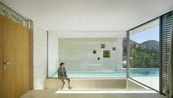 Casa en Voladizo  / eneseis Arquitectura