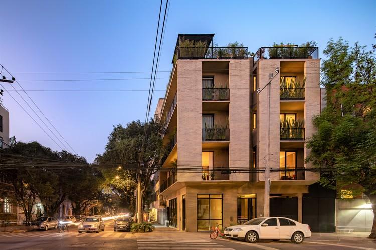 Edificio esquina Tonalá / Bloqe Arquitectura, © Onnis Luque