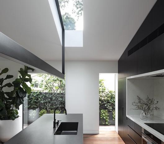 Framed House / Luis Gomez-Siu Design Studio