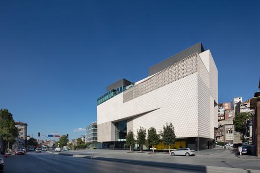 Museo Arter  / Grimshaw