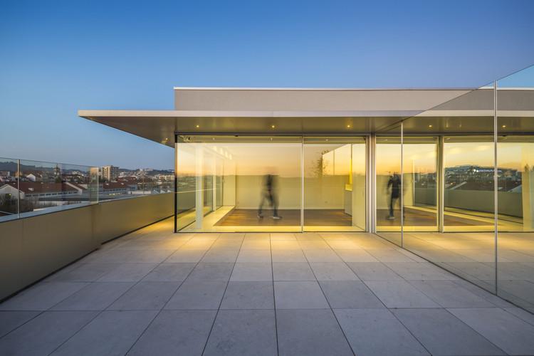 Apartamento em São Vitor / AZO. Sequeira Arquitectos Associados, © Hugo Delgado
