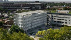 Universidad Torcuato di Tella Edificio Sáenz Valiente / Josep Ferrando Architecture