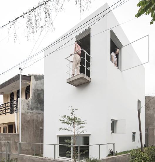 Casa 4x6x6 / dua studio