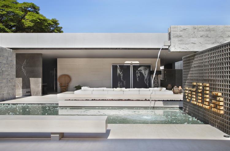 Villa Deca  / Studio Guilherme Torres, © Denilson Machado – MCA Estúdio