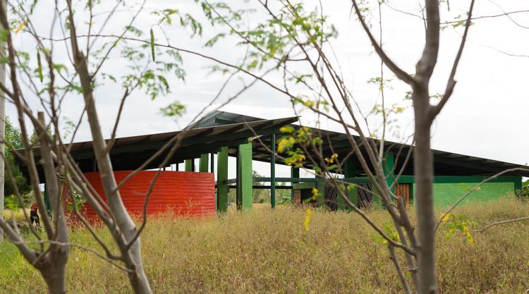 El Jicarito School / knitknot architecture, © Silvio Balladares