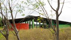 El Jicarito School / knitknot architecture