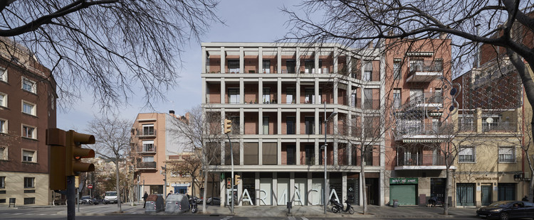 Edificio Maragall 310 / Bergnes de las Casas, © Eugeni Pons
