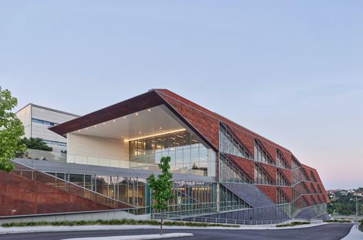 Özyeğin University Faculty of Architecture and Design / ARK-itecture