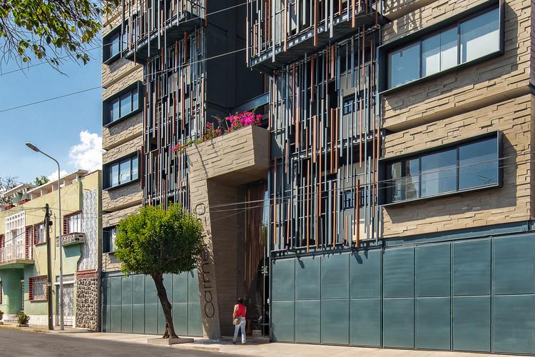Vivienda vertical Carmen 20 / PRAXIS Arquitectura, © Onnis Luque