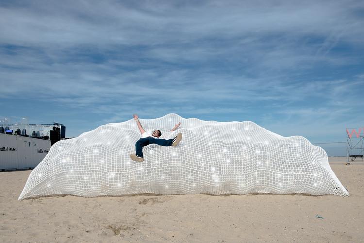 Cloud 9 Installation / collectief mars, © Dieter Van Caneghem