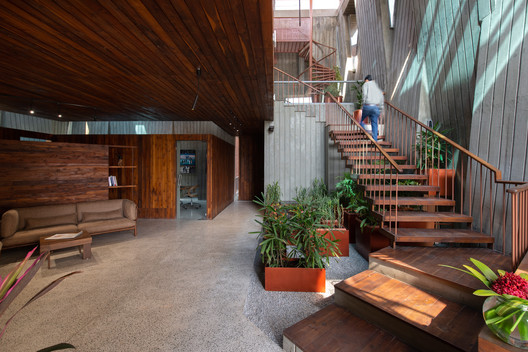 Office Complex for Gopal Printpack Solutions / I-Con Architects and Urban Planners
