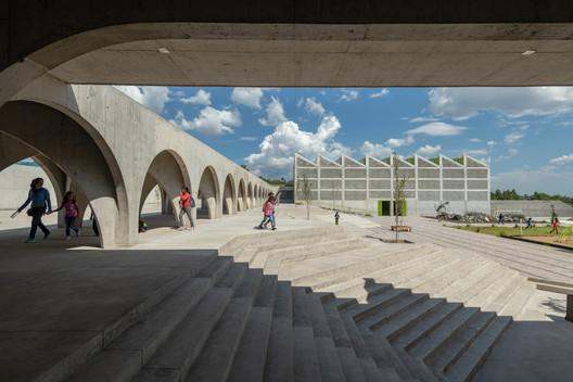 Club de Niños y Niñas / CCA Centro de Colaboración Arquitectónica