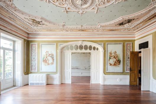 Menina Colina Guest House / Floret Arquitectura