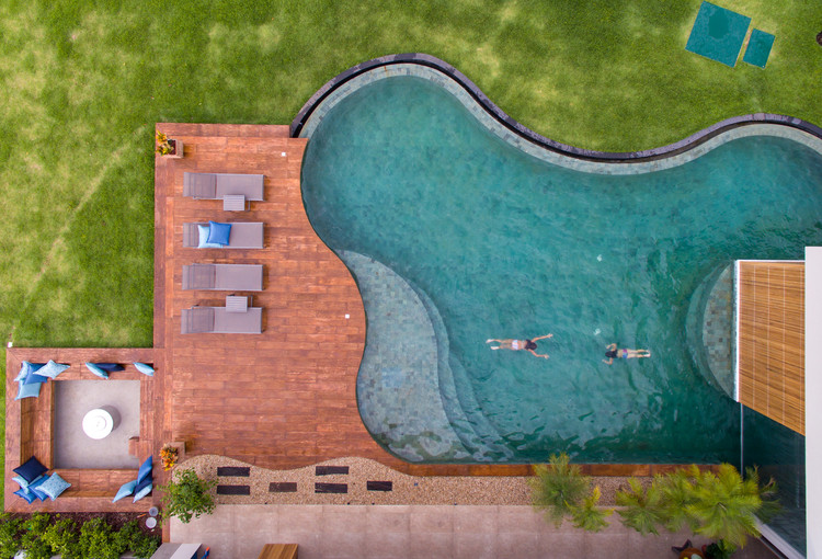 How Swimming Pools Evolved into a Modern Status Symbol , LLP House by Ibmr. Image © Favaro Jr