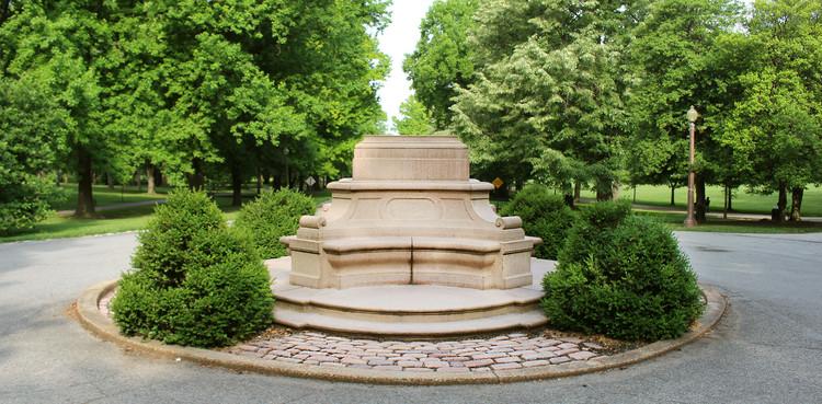 "Pulitzer Arts Foundation Presents ""Keynote Conversation: Toward Monumental Justice"", Tower Grove Park, St. Louis, MO.  Photograph by Virginia Harold"