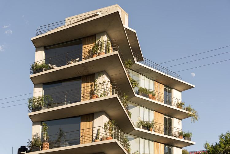 44 departamentos con balcones y terrazas en la Ciudad de México que conectan con el exterior, Edificio Argáez / Taller de Arquitectura X - Alberto Kalach. Image © Jaime Navarro