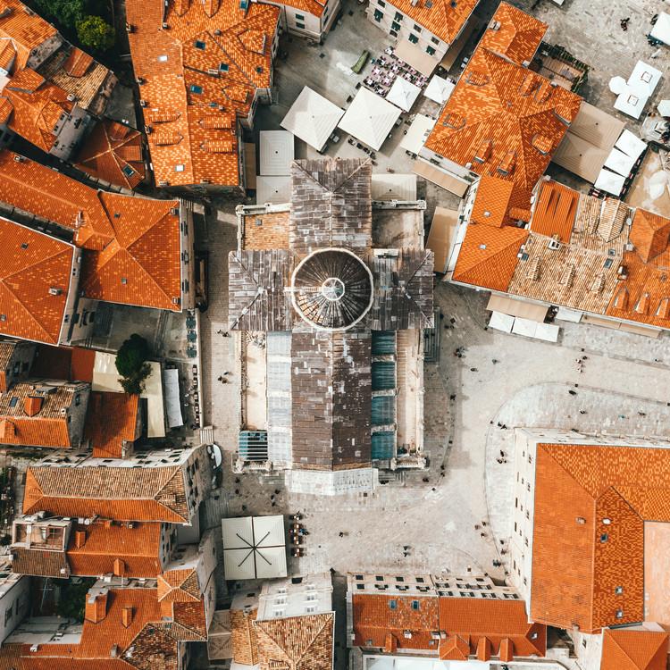 Espacios públicos y complejos urbanos: 12 plazas en vista aérea, Dubrovnik, Croacia. Foto de Drone por @spencerdavisphoto