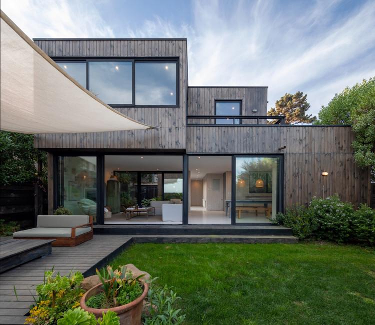 Casa dois pátios / Ignacio Correa, © Aryeh Kornfeld