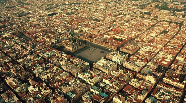 Imágenes aéreas de la Ciudad de México durante la pandemia de COVID-19 por Santiago Arau, © Santiago Arau