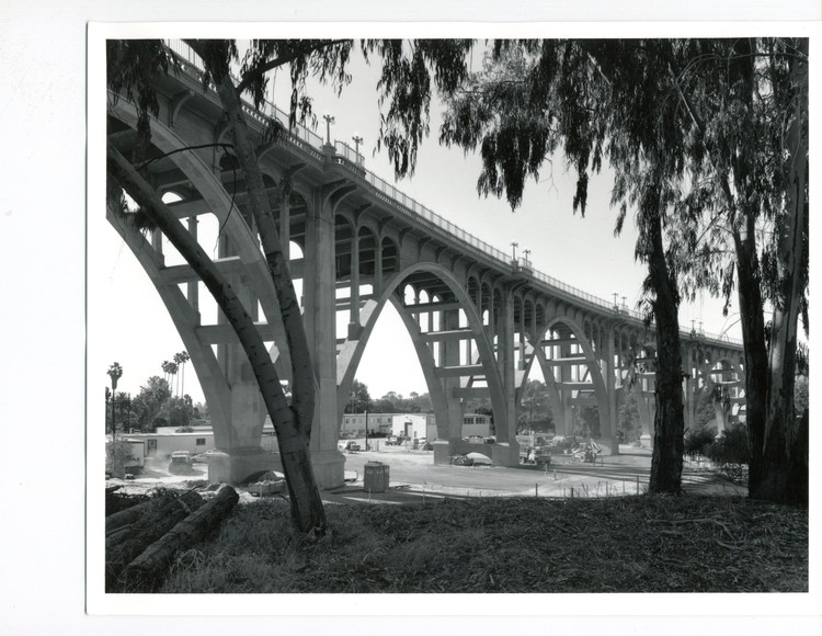 Panel Discussion on Fencing on the Colorado Street Bridge, © Pasadena Heritage. ImageColorado Street Bridge