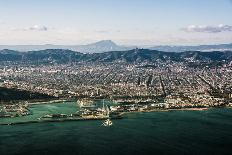 Barcelona without pollution. Image Courtesy of Jon Tugores