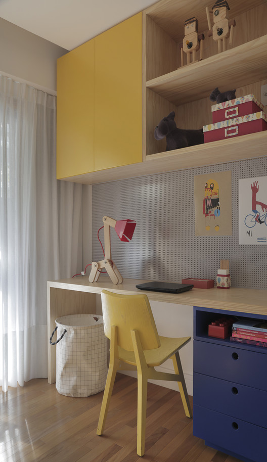 Apartamento MICF / PKB Arquitetura. Image © Andre Nazareth