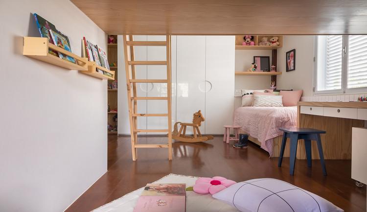 Requalificação de residência projetada por Zanine Caldas / PKB Arquitetura. Image © Andre Nazareth