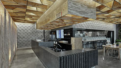 Restaurante CO-OP Ramen  / Marlon Blackwell Architect