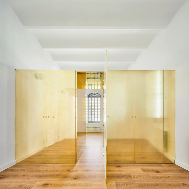 The Magic Box Apartment / Raúl Sánchez Architects, © José Hevia