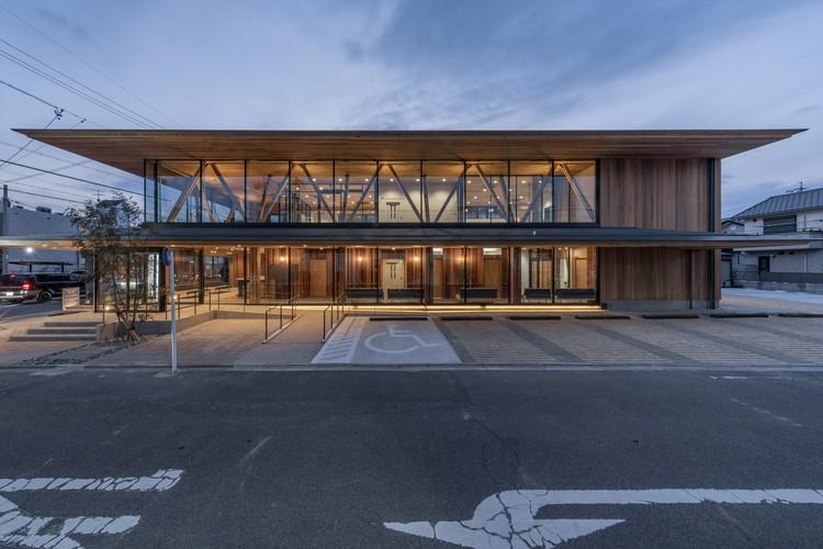 Takenaka Surgery Clinic / TSC Architects, © Hiroshi Tanigawa