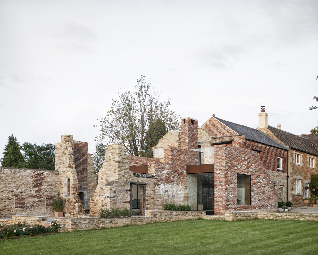 Recycling Brick Constructions In The Uk 14 Building Restorations And Extensions Archdaily
