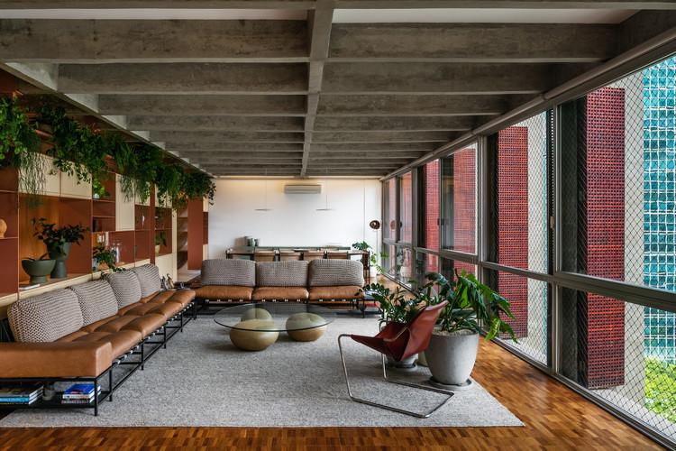 Apartamento AMRA7 / Piratininga Arquitetos Associados + Bruno Rossi Arquitetos, © Nelson Kon