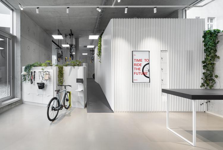 VanMoof Brand Store / Ninetynine, © Ewout Huibers