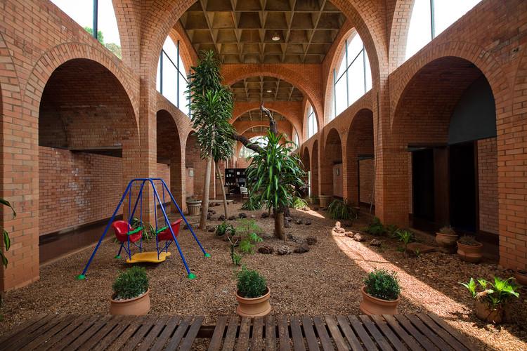 Patrimônio arquitetônico moderno brasileiro: como intervir e preservar, Casa dos Arcos / João Filgueiras Lima (Lelé) © Joana França