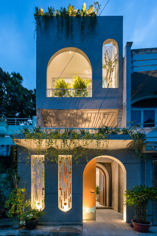 V House / AD9 Architects