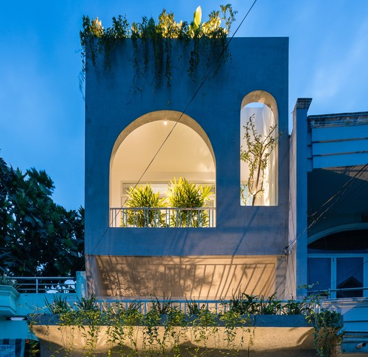 V House / AD9 Architects