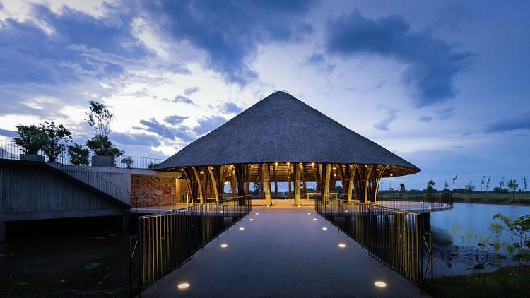 Centro Comunitário da Vila Sen / Vo Trong Nghia Architects. Imagem: © Quang Tran